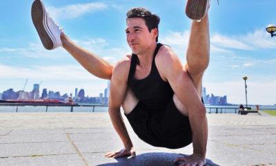 Winnie Witt Jon Witt, maestro de yoga en Nueva York, practica una pose en Jersey City.