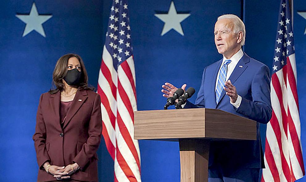 El virtual presidente de Estados Unidos, Joe Biden, durante una de sus comparecencias poselectorales, junto a Kamala Harris, que sería la primera vicepresidenta de Estados Unidos y que se considera clave en la determinante y mayoritaria votación femenina a la fórmula demócrata. Foto: @joebiden