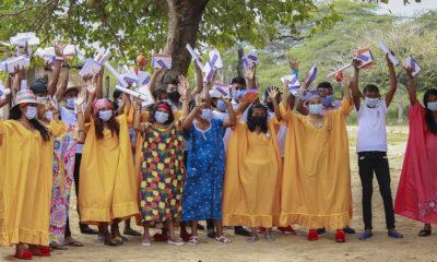 Fundación El Origen Estudiantes indígenas beneficiarios de la Fundación El Origen en La Guajira, Colombia