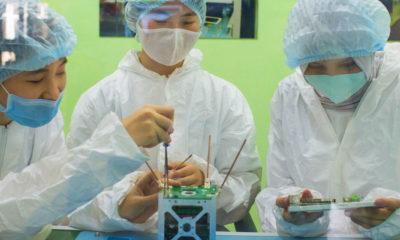 UNICEF/Zhanara Karimova Mujeres jóvenes participan en el primer programa de desarrollo de nanosatélites de Kazajstán.