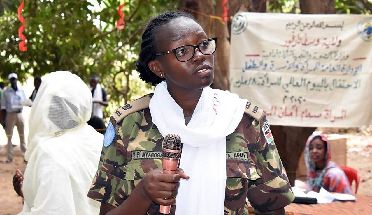 La mayor Steplyne Buyaki Nyaboga, de Kenia, galardonada el 27 de mayo como Defensora Militar de Género del Año de las Naciones Unidas 2020. Foto: ONU