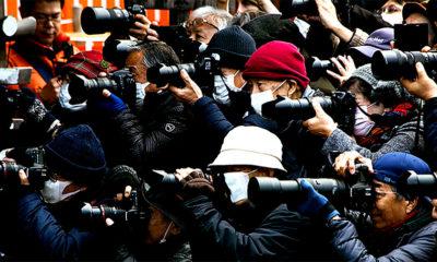 Unsplash/Zeg Young Medio de prensa cubriendo un acto en la ciudad china de Shanghai.