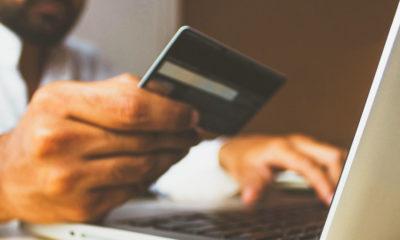Unsplash/rupixen Las ventas minoristas relacionadas con el comercio electrónico en línea han aumentado significativamente durante la pandemia de COVID-19.
