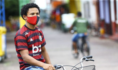 Agência Brasil:Marcelo Camargo, Un joven de Brasil durante la pandemia de COVID-19.